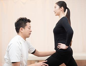 プロケアを卒業するための膝の体操を指導します