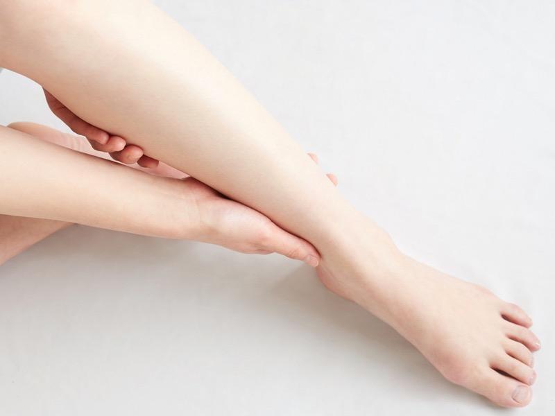 足根管症候群は予防が可能で、食事と姿勢も予防に関係します。