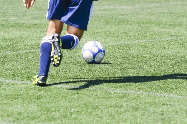 スポーツで最も起こる怪我の一つ、膝関節捻挫を解説